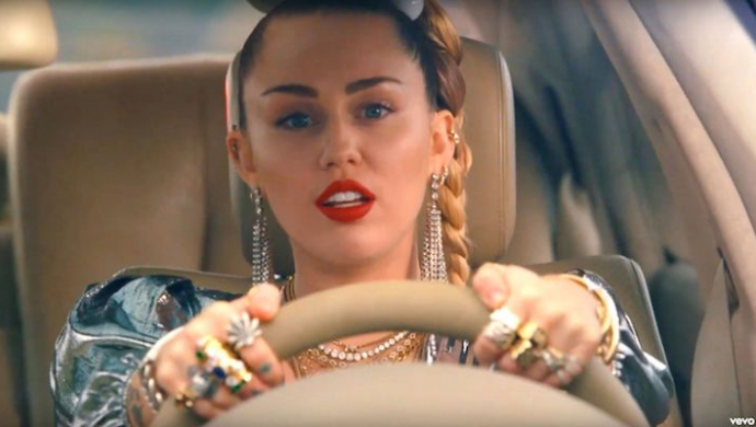 Mark Ronson ft. Miley Cyrus 'Nothing Breaks Like A Heart' by We Are From LA