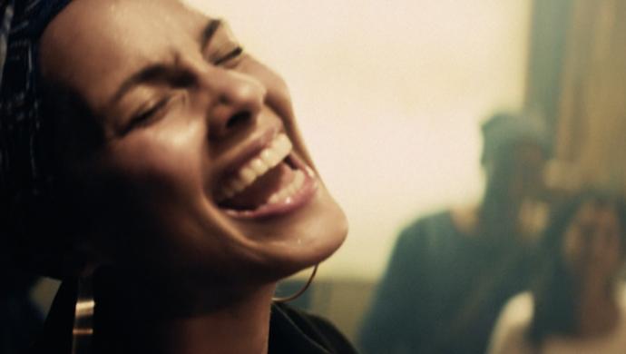Alicia Keys 'Live In Paris' by Colin Solal Cardo