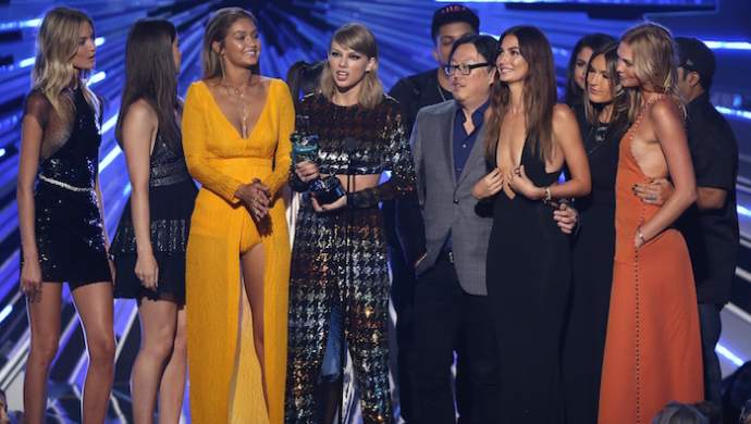 Bad Blood wins VOTY, Alright wins Best Direction at 2015 MTV VMAs