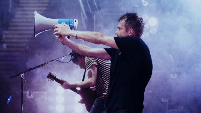Blur's No Distance Left to Run by thirtytwo and Live at Hyde Park by Giorgio Testi