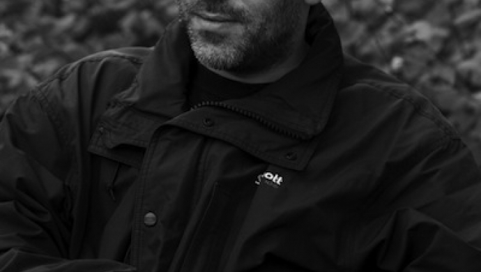 Jamie Thraves signs to HSI London