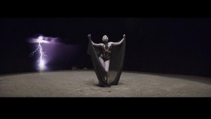 Jessie J 'Thunder' by Emil Nava