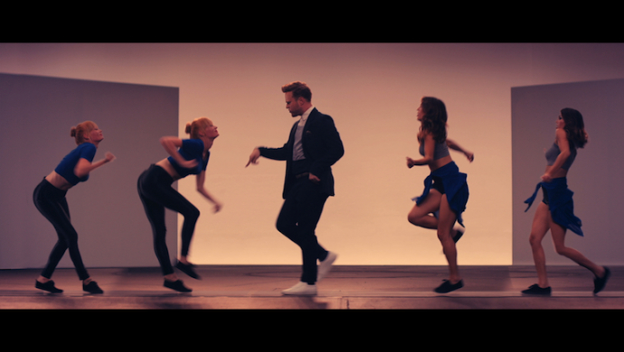 Olly Murs ft Travis McCoy 'Wrapped Up' by Jonathan Lia