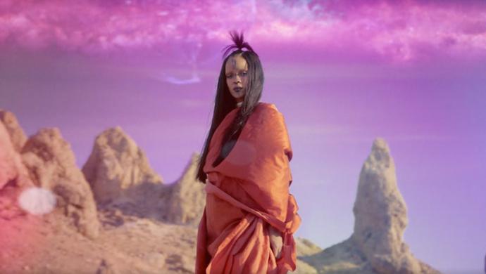 Rihanna 'Sledgehammer' by Floria Sigismondi