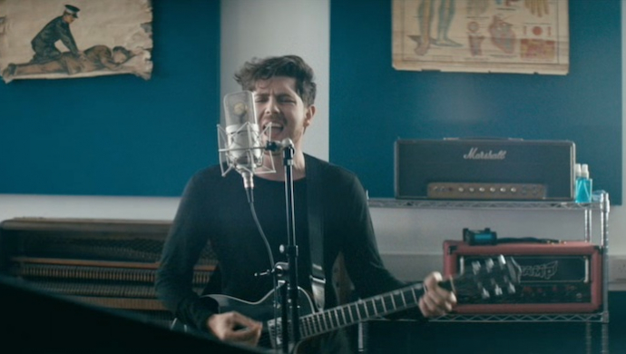 Twin Atlantic 'Hold On' by Jamie Thraves