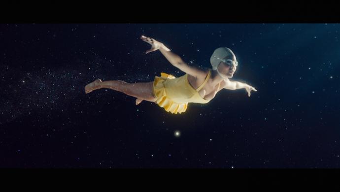 giffgaff 'The Big Swim' by Sean Thompson